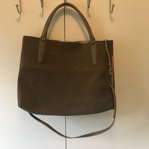 Coach bag in gray. Perfect for work